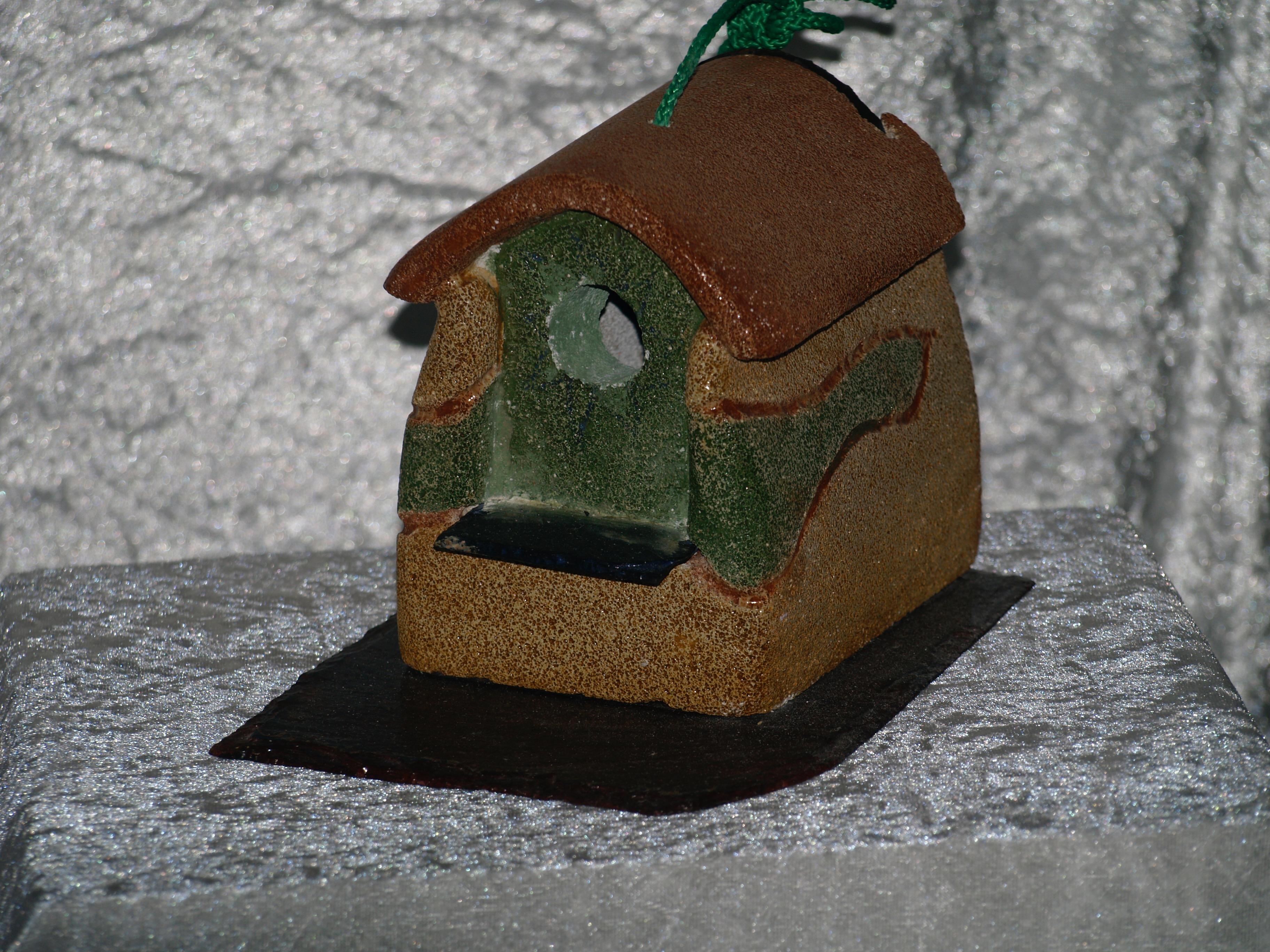 Nichoir unique, création artisanale à Saint-Maden